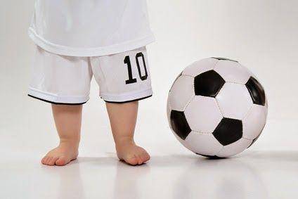 サッカーボールと子ども