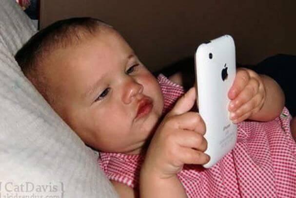 iPadやスマートフォンが子どもに与える影響