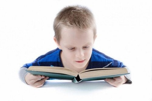 ドーマン法で1歳になる前から子供に読み書きを教えよう!