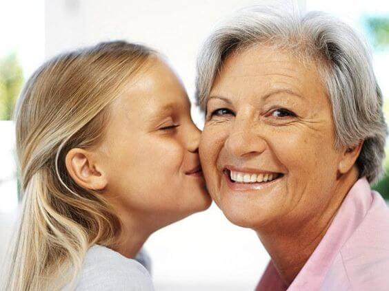 母方の祖母 が子どもにとって重要な理由