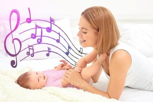赤ちゃんの子守歌は何を歌えば良いか-Singing-To-Your-Baby