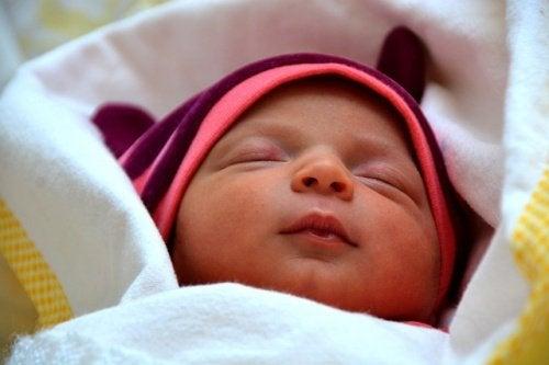 赤ちゃんを寝かしつける-Sleepy-Baby