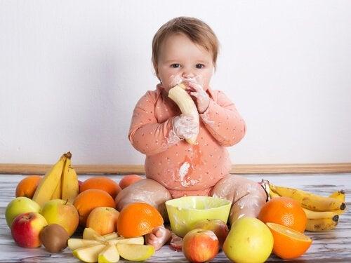 赤ちゃんにあげてはいけない7つの食べ物