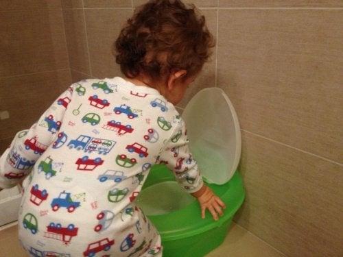 子どものトイレトレーニングをする