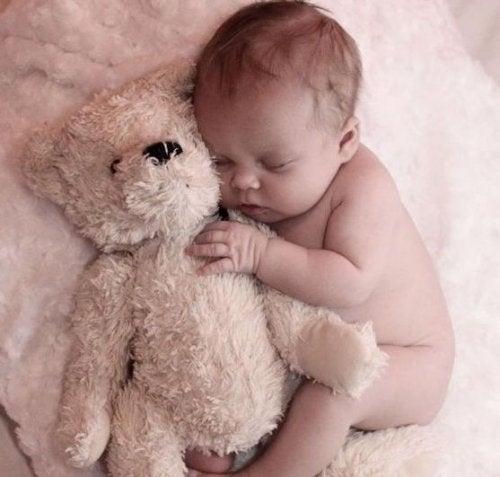 ママへの手紙:いつも夜中に起こす赤ちゃんより