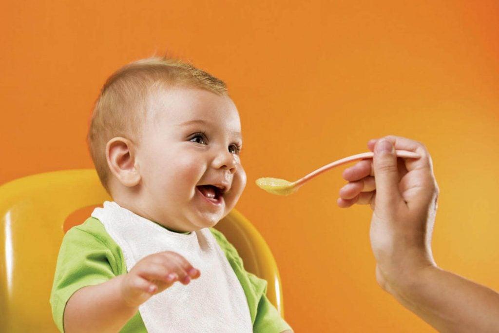 3歳以下の子どもの食事に役立つ13の秘訣