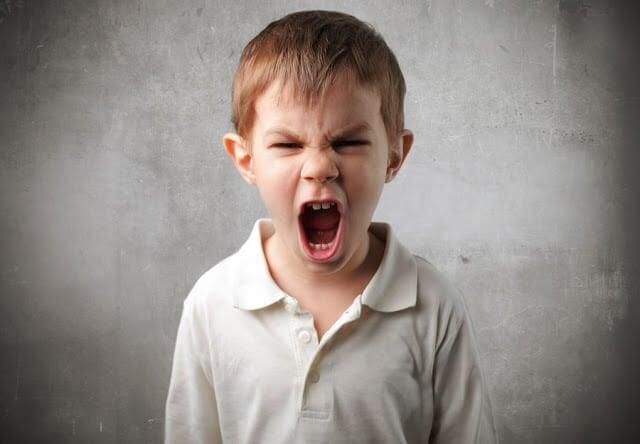 怒っている子どもに話しかける8つのカギ