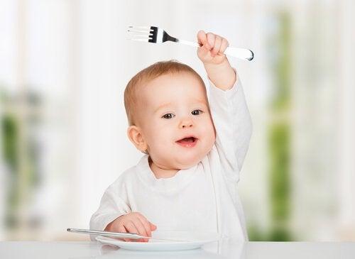 赤ちゃんに絶対あげてはいけない10の食べ物
