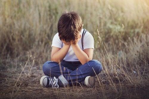 子どもの感情的ネグレクトの4つのサイン