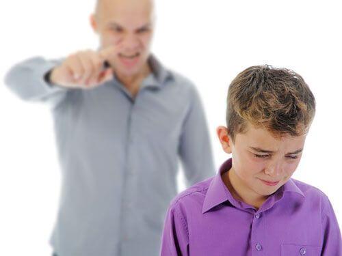 子どもを怒鳴る子育てが良くない理由