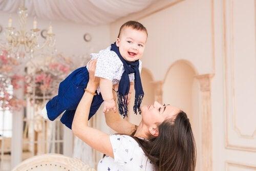 赤ちゃんとお母さん