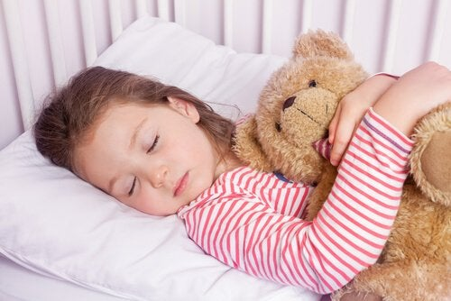 お子さんを一瞬で寝かせる4-7-8テクニック