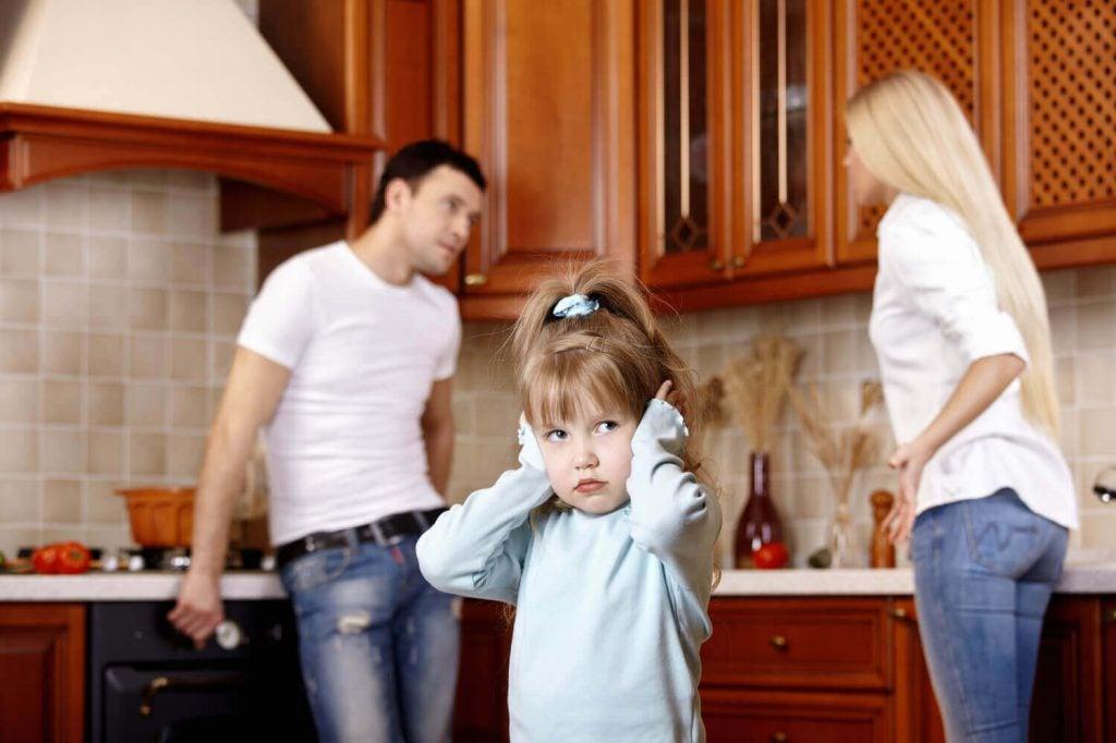 親の機嫌が子供の感情発達に影響する