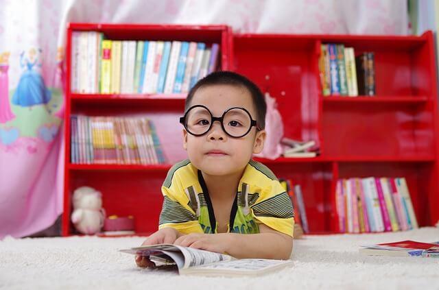 子どもたちに自分で勉強する方法を教える