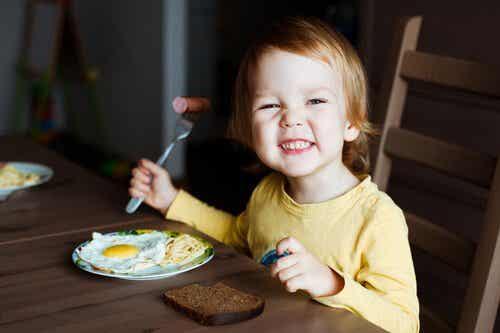 子どもの脳に最も良い8つの食べ物