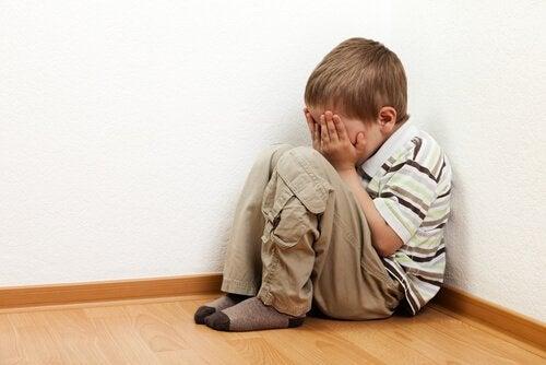 """子供にとって""""一人になる""""ことが恐怖の対象であると理解する"""