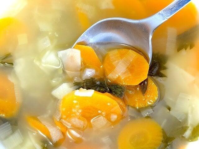 12ヵ月~24ヵ月の赤ちゃんがスプーンで食べやすい4つのレシピ