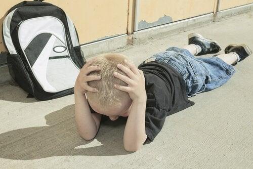 刺激不足は子どもの成長を遅らせる