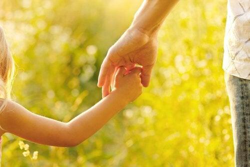 母親の仕事は子どもを導き教育すること