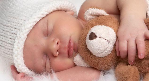 赤ちゃんが夜通し寝るようになるのはいつから?