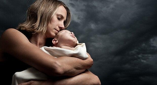 産後は精神的に不安定