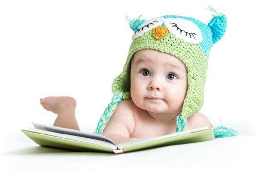 赤ちゃんの感覚の発達を刺激する:生後0~6ヵ月