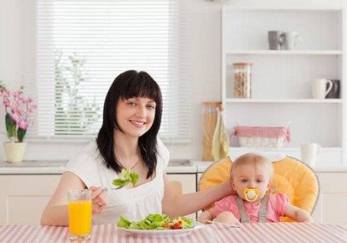 食事だけでなくホルモンも体重増加の要因