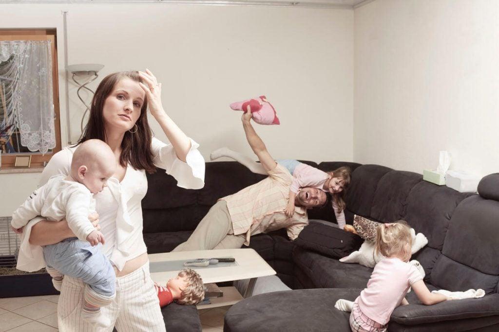 母親が父親よりもストレスを抱えている理由