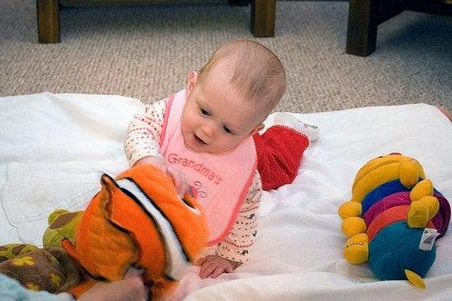赤ちゃんと遊ぶ2