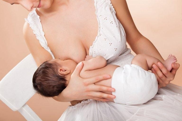 母乳の出を良くする方法とは?