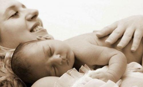 赤ちゃんは常に抱っこされていたい