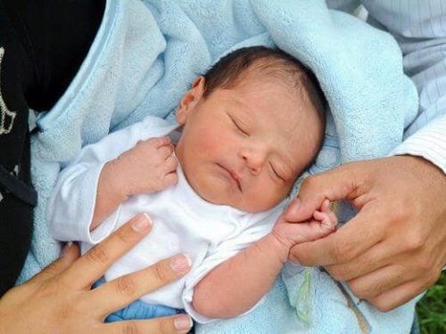 赤ちゃんにとって出産はどんな経験?