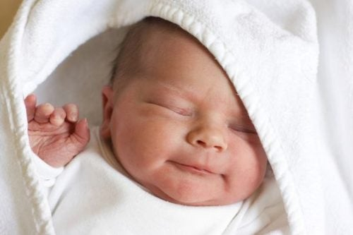 生まれたばかりの赤ちゃんのおもしろい5つの事実