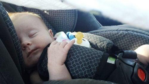 赤ちゃんと外出する際に気を付けるべきこと