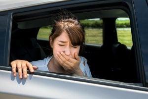 車内で気分が悪い人