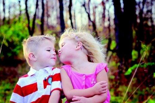 子どもにキスを強制してはいけない理由