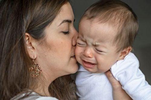 コリックの赤ちゃんの落ち着かせるには?