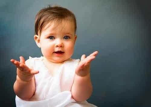 赤ちゃんとベビーサインでおしゃべりしよう