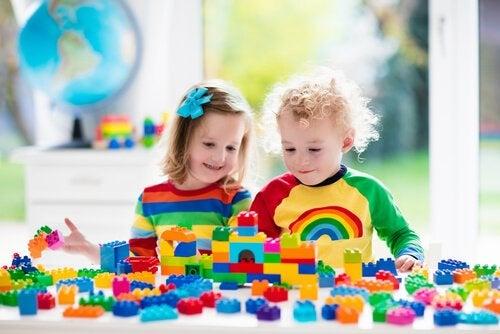 子ども向け組み立て遊びのメリット