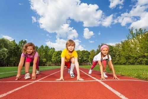 競争が目的ではない 子どもの頃にスポーツ