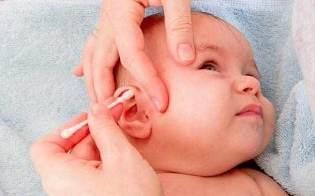 赤ちゃんの耳掃除 耳の感染症