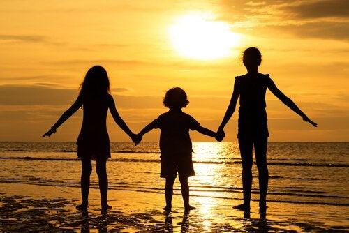 攻撃的な子どもにしないための7つのアドバイス