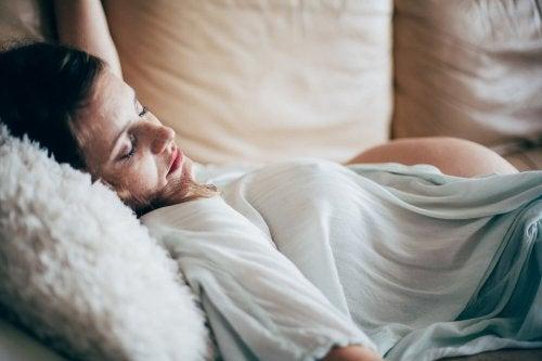 妊娠中はうつぶせで寝ない 姿勢