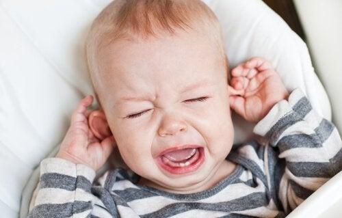 泣く赤ちゃん- ぎょう虫