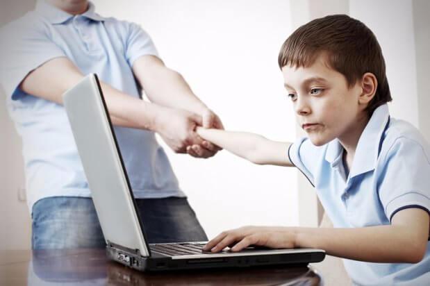 子供のテクノロジー利用時間 電子機器利用