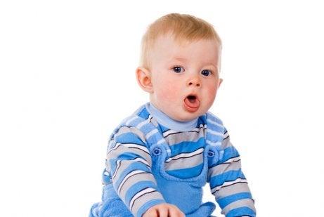 赤ちゃんの痰を取るにはどうすればいいの?