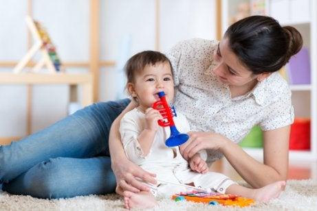 一日中赤ちゃんを楽しませる3つの方法
