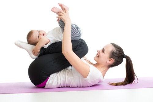 赤ちゃんの筋肉を鍛える