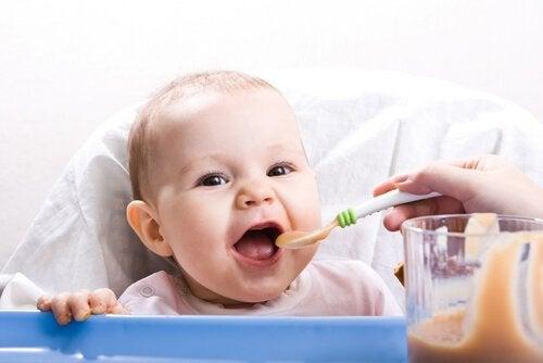 赤ちゃん向けヘルシーレシピ:新たな食感との出会い編