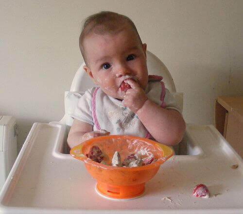 離乳食のすすめ:お子さんに栄養を!